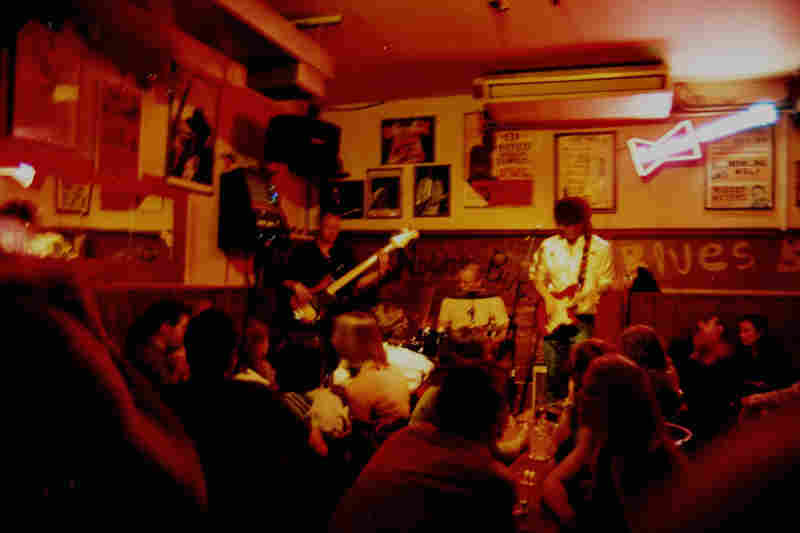 Stuart Bligh & The Big Blue play live music at Aint nothin but blues bar in London